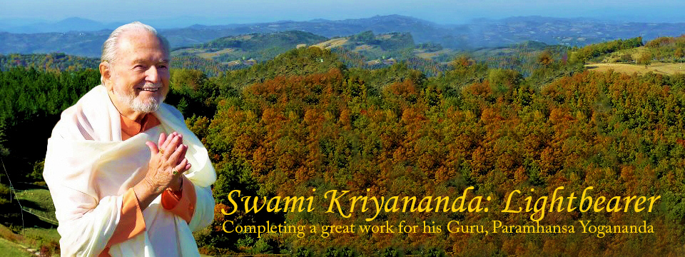 Swami Kriyananda: Lightbearer
